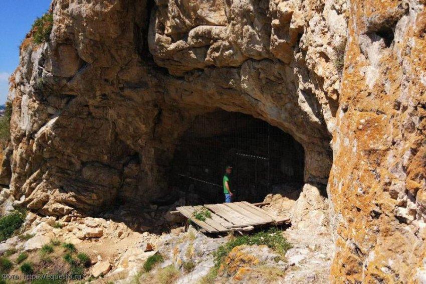 Разгадки, которые дало исследование Денисовых пещер в Южной Сибири