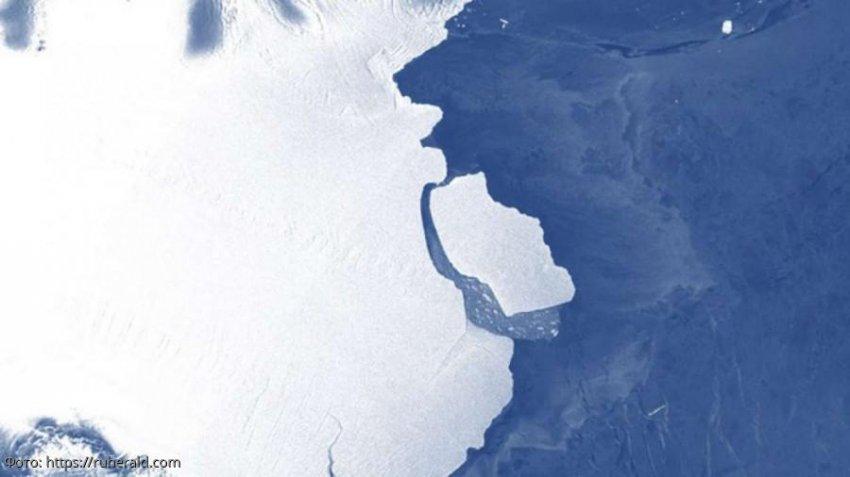 Гигантский айсберг оторвался от передней части шельфового ледника Эймери в Восточной Антарктиде