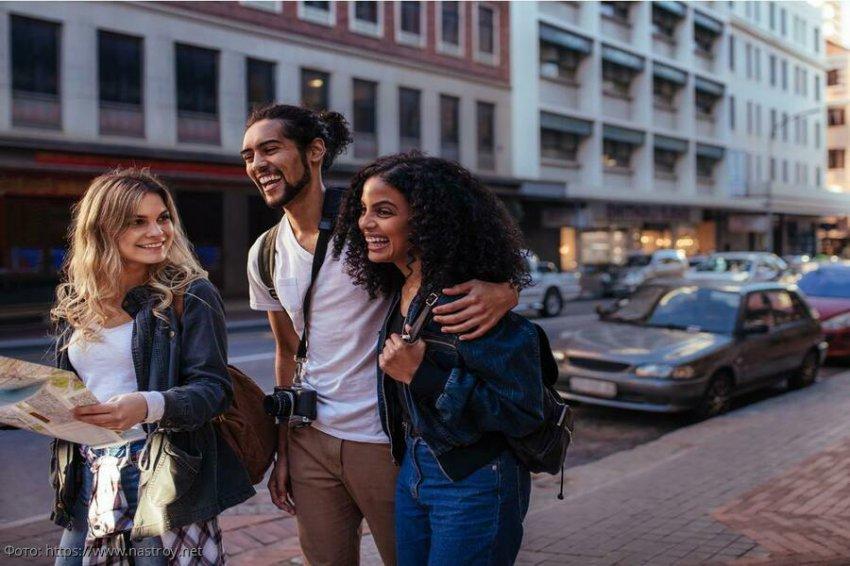 5 верных способов найти друзей во время путешествия