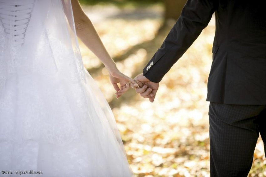 Жених устроил пир на весь мир и исчез прямо со свадьбы, оставив невесте миллионные долги