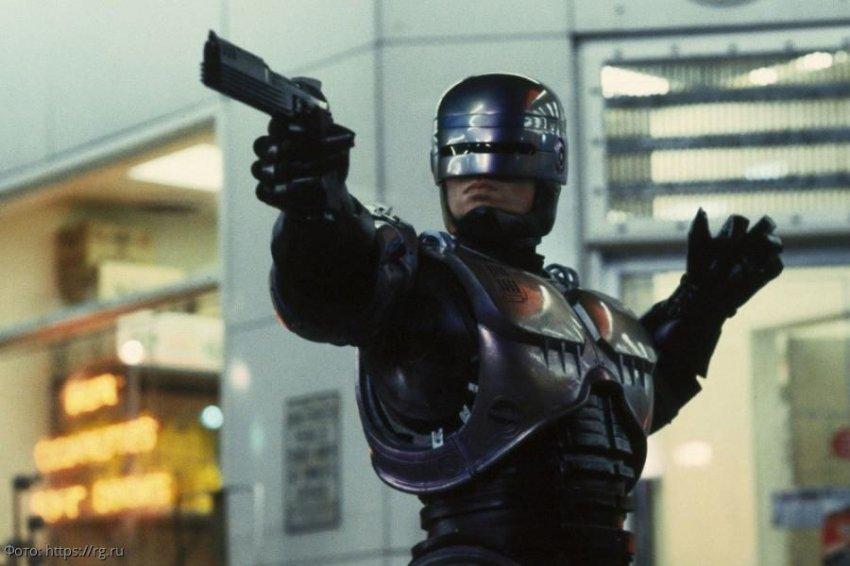 Боевик становится реальностью: в полиции объявили набор роботов-полицейских