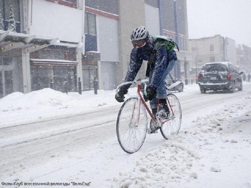 Скоро зима, а Петербург пересаживается на велосипеды