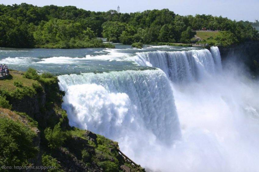 Ниагарский водопад, привлекающий туристов и самоубийц