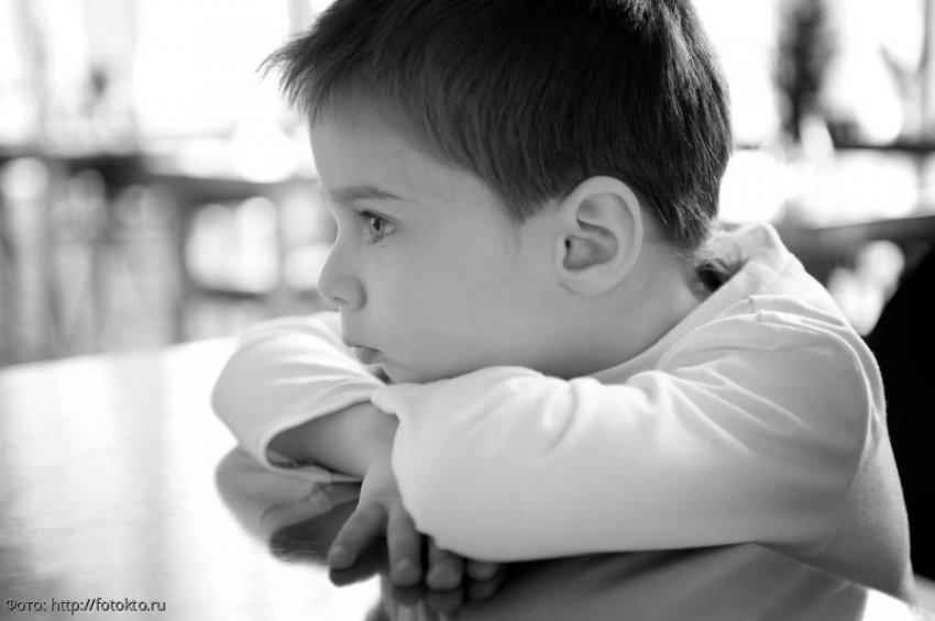 История из жизни: мама привела сына в детдом, сказав, что скоро заберёт, и забыла на десять лет