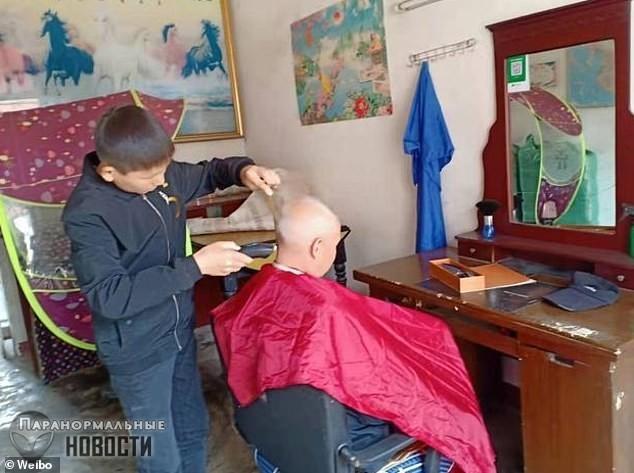 Из-за травмы головы 34-летний китаец до сих пор выглядит как ребенок