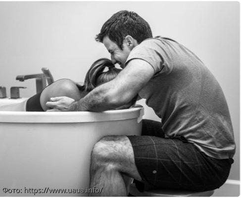 10 трогательных фотографий отцов, присутствующих на родах: эти мужчины поняли, как тяжело достаются дети