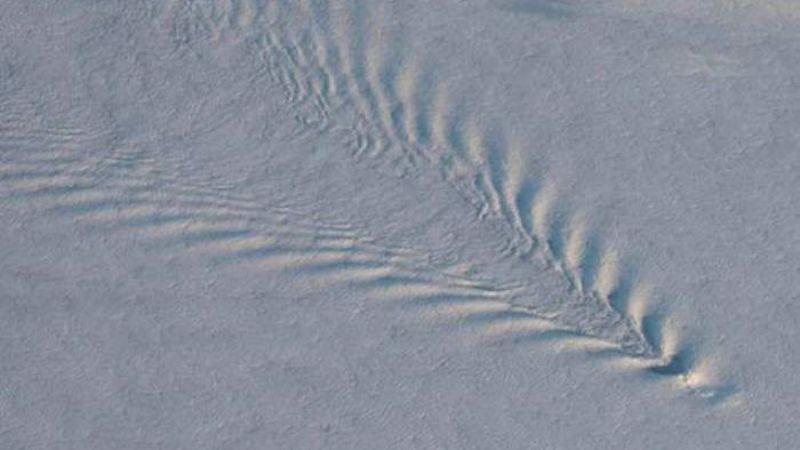 Камера МКС запечатлела странные «звуковые волны»