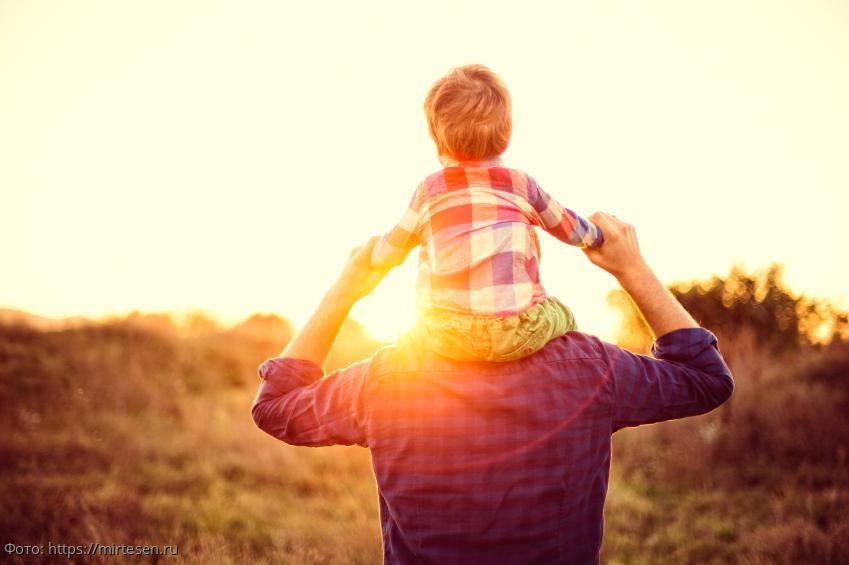 История из жизни: отец обещал сыну новую игрушку и сдержал обещание спустя 15 лет после ухода из семьи