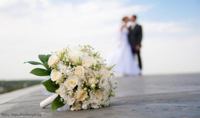 Жених расстался с невестой прямо на свадьбе после тоста ее отца