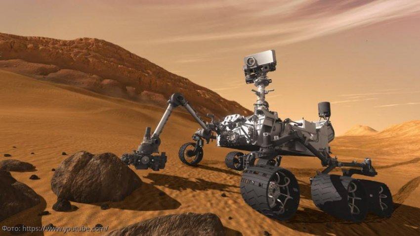 Марсоход Curiosity только что сделал очень эмоциональную фотографию своей каменистой марсианской тюрьмы