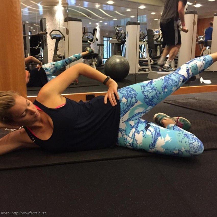 Вера Брежнева дала мастер-класс по фитнесу, рассказав про самые эффективные позы