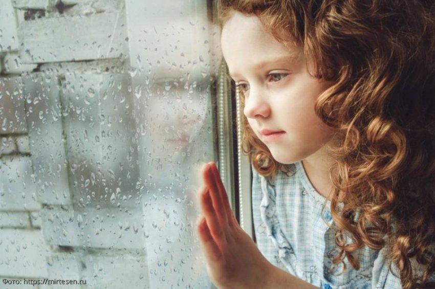 История из жизни: мама променяла дочку на роскошную жизнь, но судьба наказала ее за предательство
