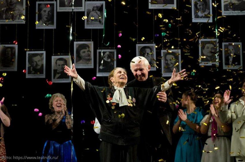 Главный режиссер театра имени Комиссаржевской рассказал, почему молодежь должна читать классическую литературу