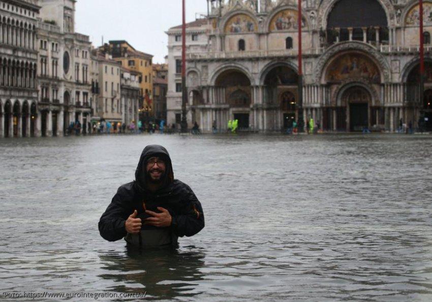 Венеция перенесла наихудшее наводнение за 50 лет, мэр винит изменение климата