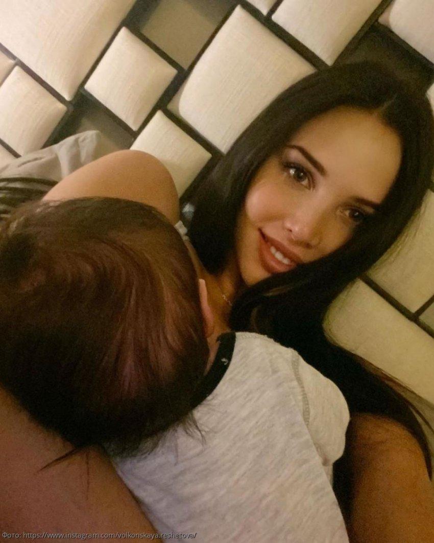Анастасия Решетова впервые рассказала о мучительных 18-часовых родах