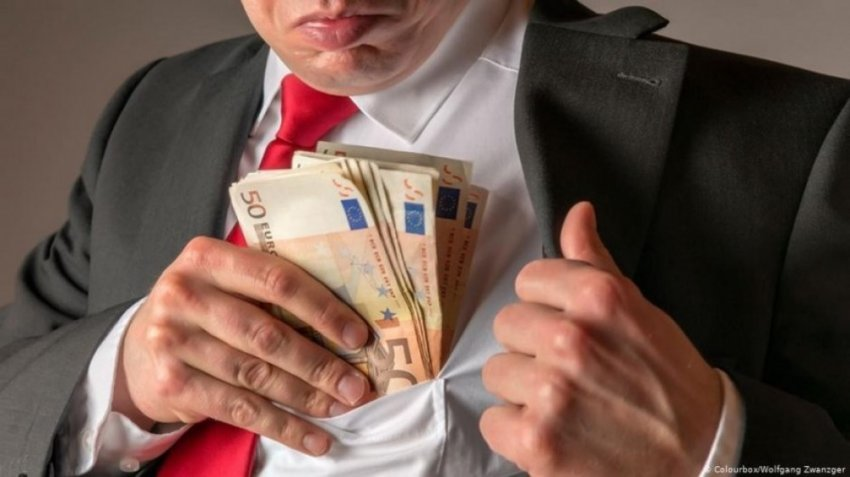 Раскрыты громкие схемы воровства денег у России