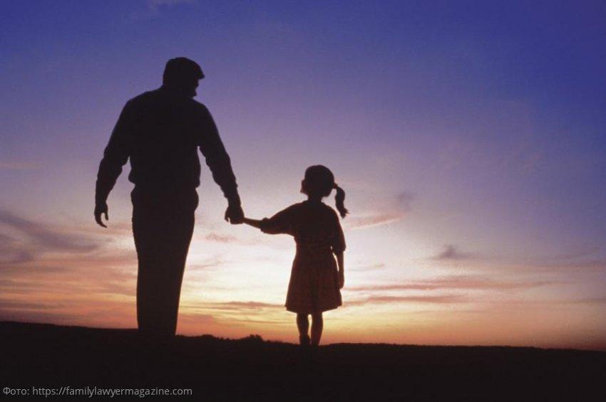 Маленькая девочка нашла себе маму на сайте знакомств, а заодно спасла папу от одиночества