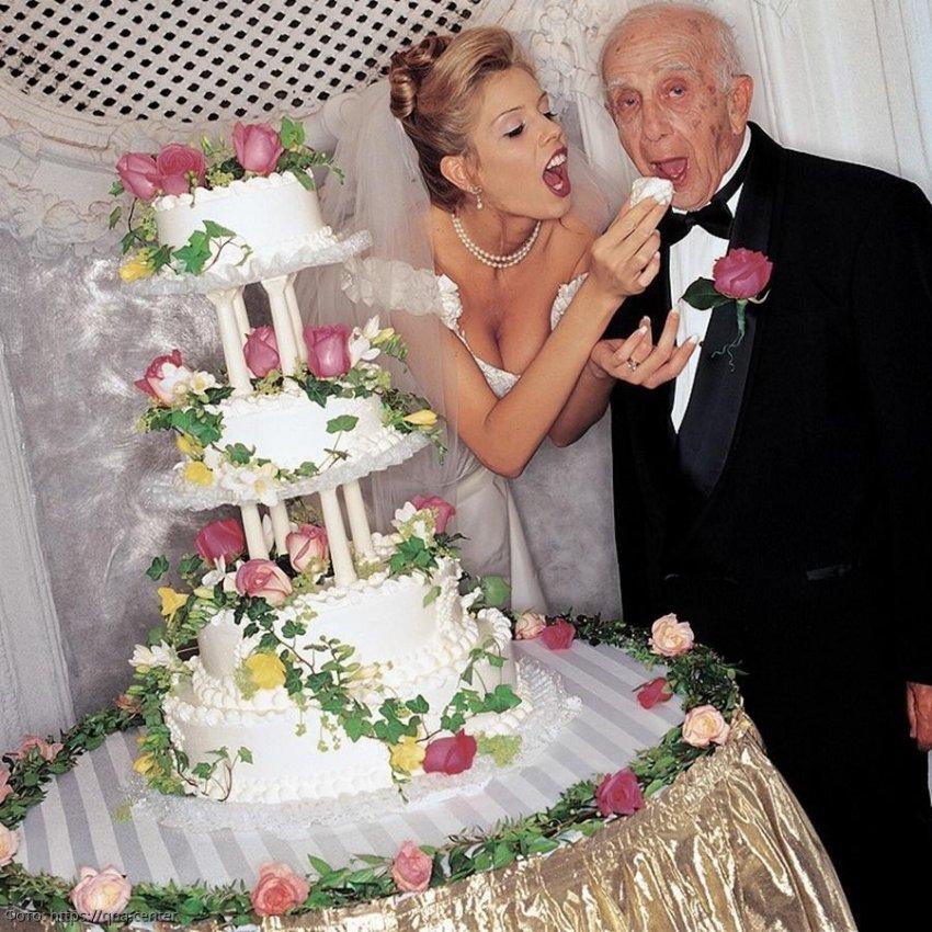 Миллионер хотел, чтобы его похоронили со всеми деньгами, но хитрая молодая жена нашла выход из положения