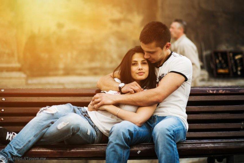 Влюбленные объявили о помолвке и лишь потом узнали, почему у них одинаковое отчество