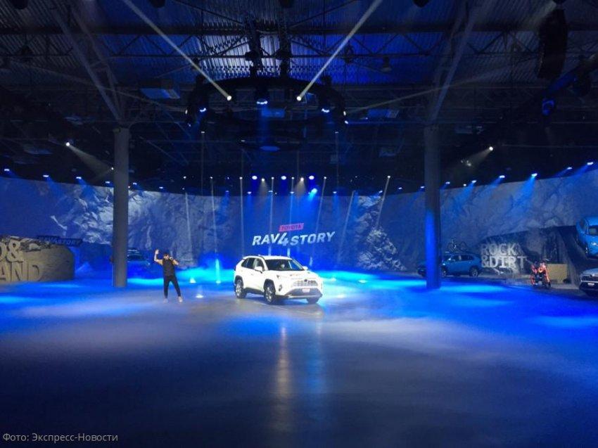 Автомобиль, который покоряет высоту: в Санкт-Петербурге представили новый Toyota RAV4