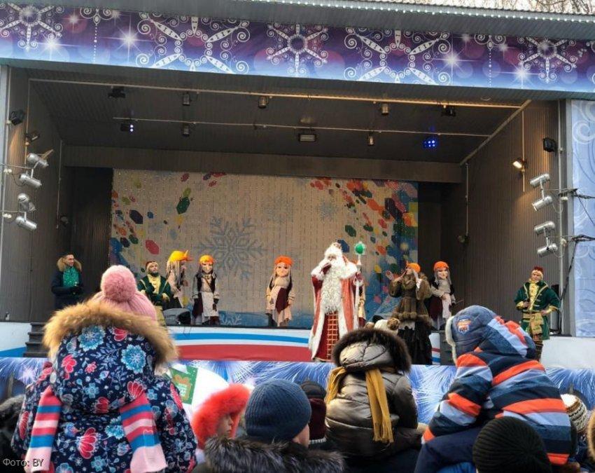 Новогодний «круиз» Бабы Яги продолжился в Екатеринбурге