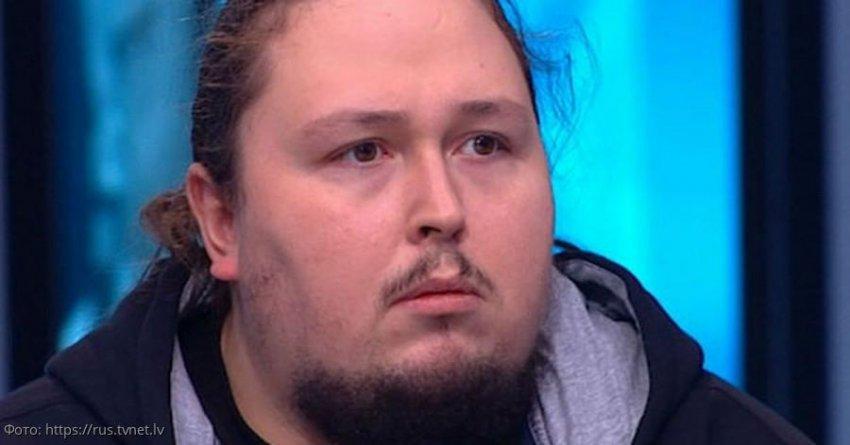 200-килограммовый Лука Сафронов застрял в туалете самолёта, вызвав панику среди пассажиров
