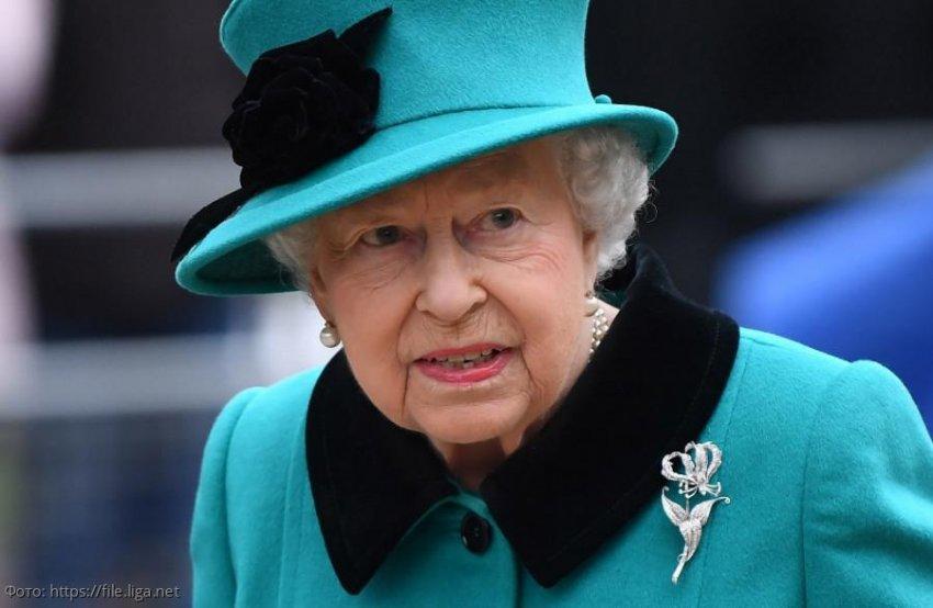 Королева устала, и она уходит: Елизавета II собирается отречься от престола