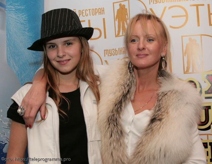 Наталья Ветлицкая отказалась от крёстной дочери после смены вероисповедания