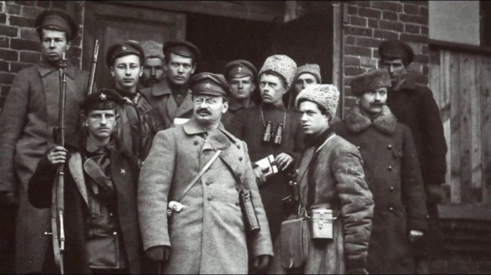 Зачем русские казаки носили продолговатые мохнатые шапки?