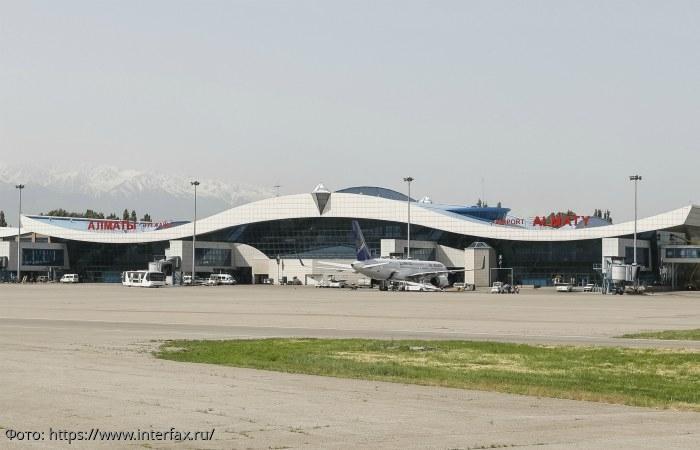 В Казахстане потерпел крушение пассажирский самолёт, есть жертвы