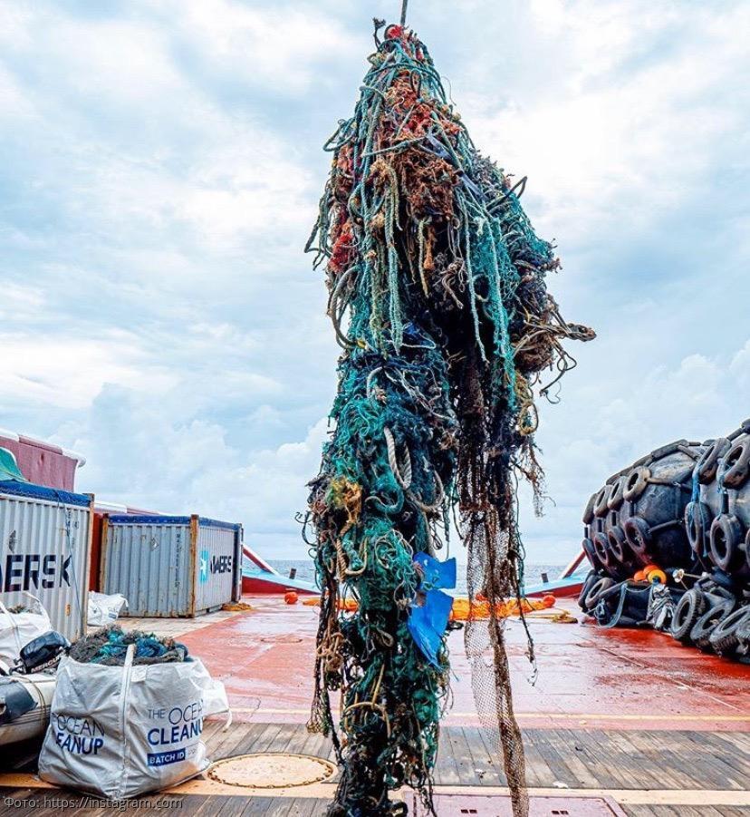 Катамаран Бояна Слата, способный собирать до 50 тонн мусора в день в океане, остался без какого-либо внимания