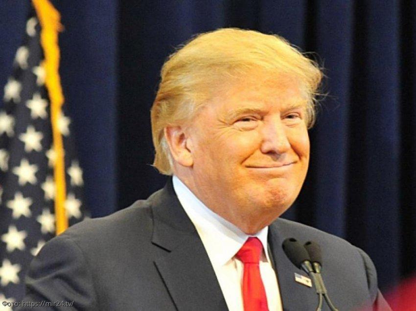 Трамп отказался участвовать в слушаниях по импичменту