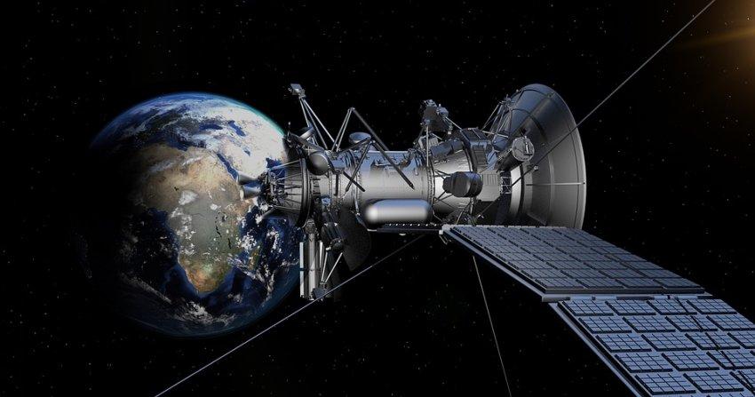 Спутники Илона Маска мешают астрономам: опубликовано видео
