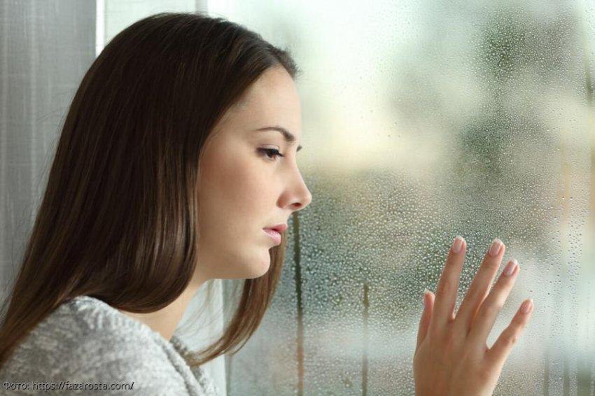 Взглянув на фотографию незнакомого мужчины, девушка поняла, почему от нее ушел жених
