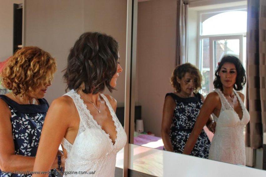 Невеста надела на свадьбу платье покойной матери, и оно помогло рассмотреть в муже недостойного человека