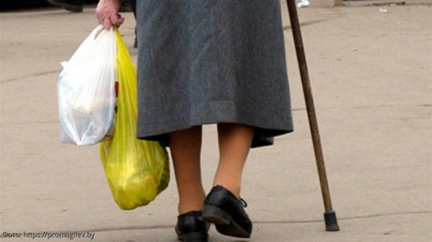 История из жизни: мужчина оплатил старушке в магазине продукты и это помогло найти ему любовь
