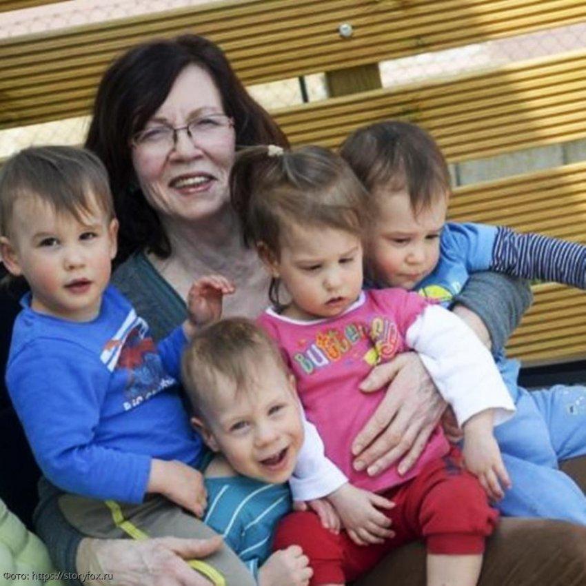 Женщина удивила всех, родив после выхода на пенсию сразу четверых детей