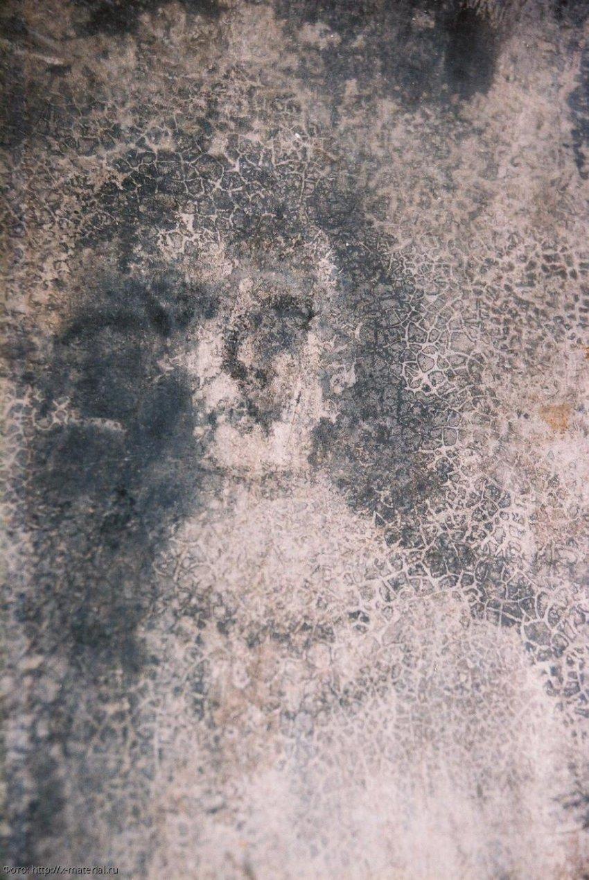 История «Дома лиц»: феномен появляющихся изображений на полу до сих пор вызывает споры исследователей