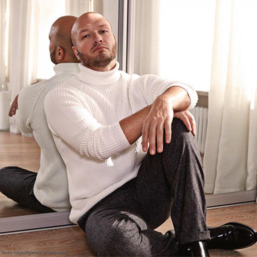 Никита Панфилов отказался от услуг дизайнеров, возложив ответственность за дизайн квартиры на свои плечи