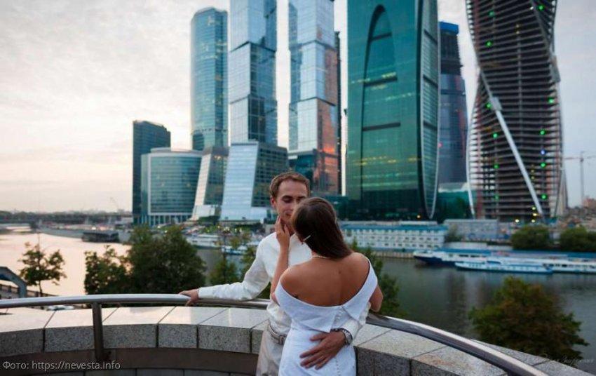 Москвичка Анна рассказала, как муж подарил свой дом родне, а потом решил поделить её квартиру при разводе