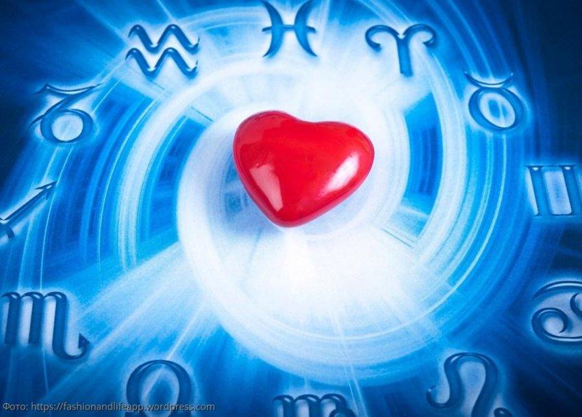 Три знака зодиака, которые влюбятся по уши с 25 декабря по 10 января