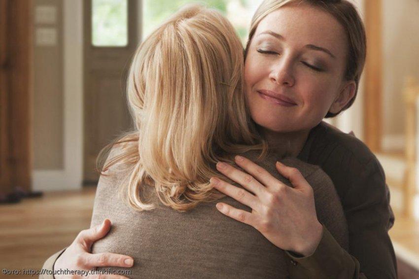 Мама привела в дом нового «мужа» и не сразу поняла, почему дочь бросилась на него с кулаками