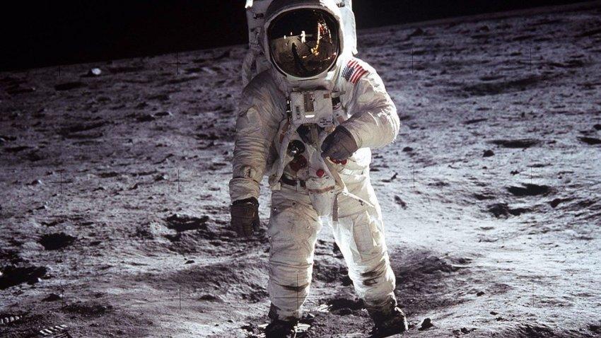 Астронавты рассказали о странных ощущениях в космосе, таинственных звуках и НЛО