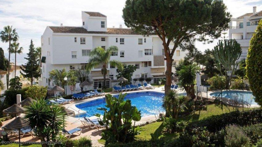 Семейная трагедия в Испании: мужчина и двое его детей утонули в бассейне отеля