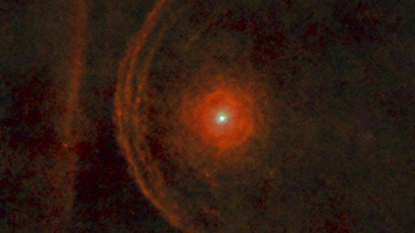 Бетельгейзе внезапно потускнела: она готовится стать сверхновой?
