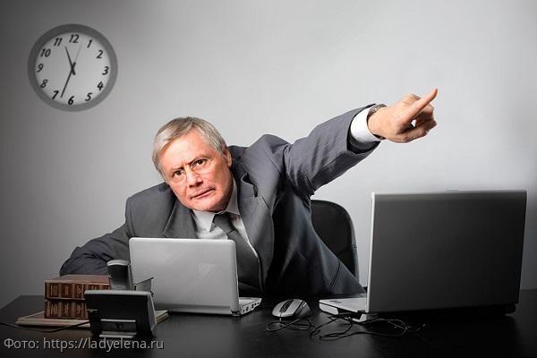 Парень потерял работу, но отомстил шефу, лишив его бизнеса и жены