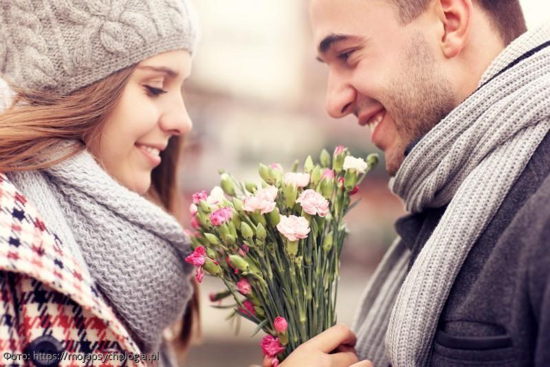Ссора с кондуктором помогла безбилетнику встретить свою первую любовь, потерянную в юности