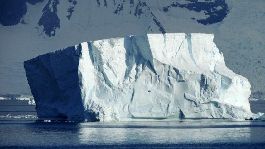 Скорость таяния льда в Антарктиде признана рекордной