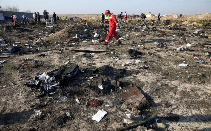 Зеленский высказался о сбитом над Тегераном Боинге: «Версия попадания ракеты в самолёт не исключается»