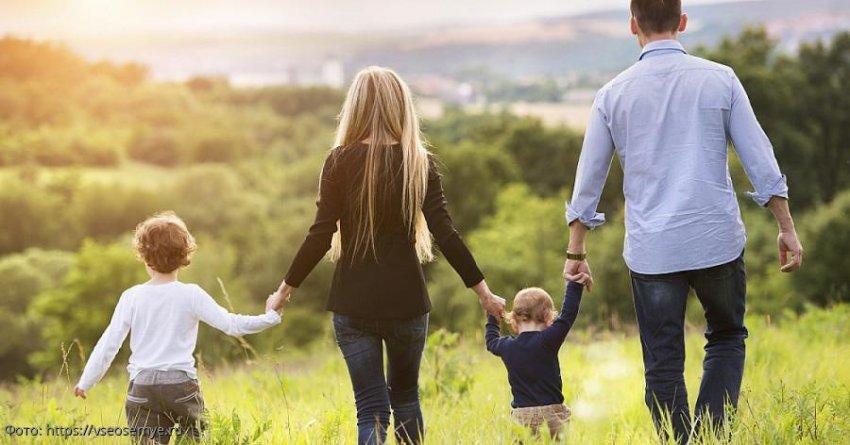 Письмо отчаяния: «После 30 лет семейной жизни женщина оказалась не нужна ни мужу, ни детям»